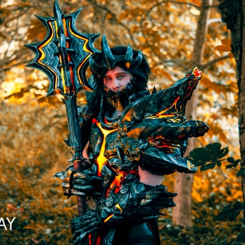Deathwing World of Warcraft cosplay uk costume comic con video game