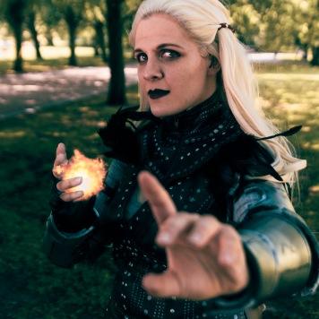 Flemeth Dragon Age Video Game cosplay uk comic con