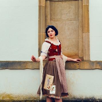 Snow White Disney cosplay uk costume sewing comic con MCM London